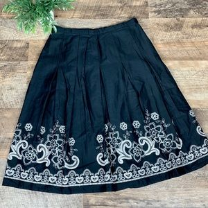 East 5th Pleated Embroidered A-Line Skirt Size 8